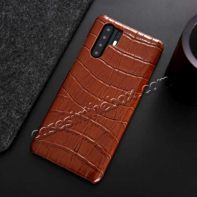 top quality Crocodile Pattern Genuine Leather Back Case For Huawei P30 Pro - Brown